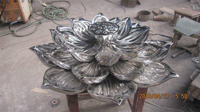不锈钢锻造荷花1