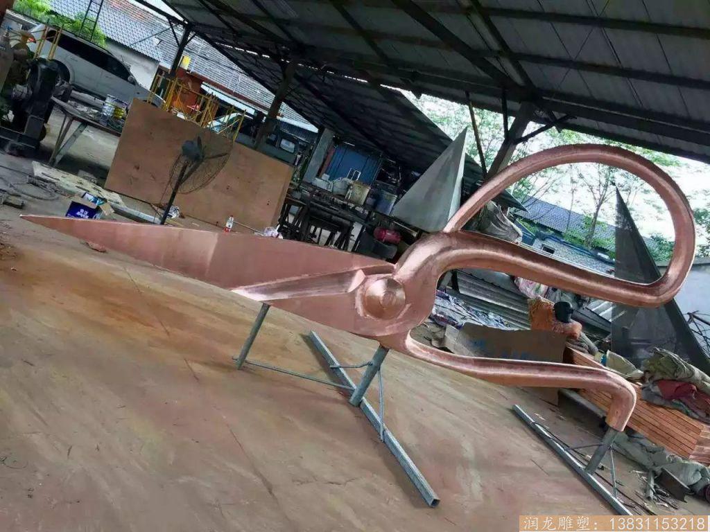 不锈钢锻造剪刀雕塑1